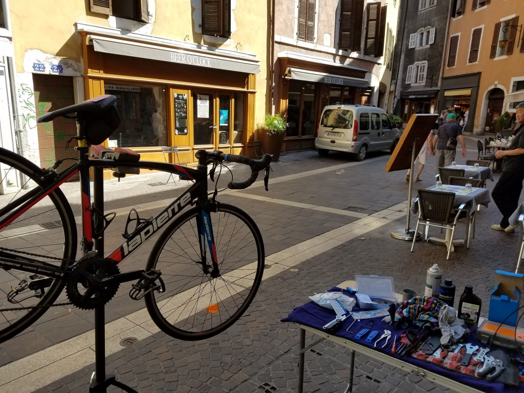 Réparation de vélo à domicile, pour parc de location et flotte d'entreprise. Annecy Mountain Bike